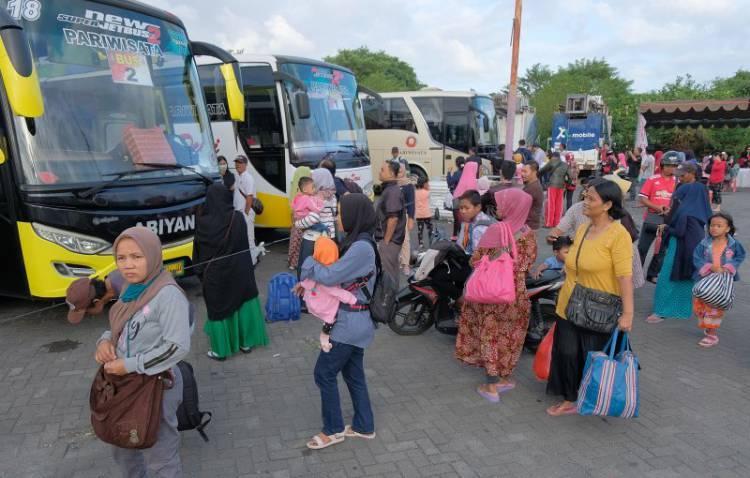 Harga Tiket Pesawat Mahal, Mudik Lebaran Pilih Bus