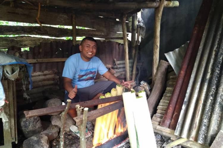 Tradisi 'Malamang' Jelang Lebaran Warga Tanah Datar
