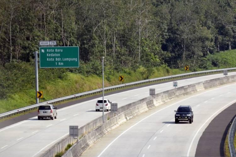 Polisi Berlakukan Satu Arah Tol Palembang-Lampung