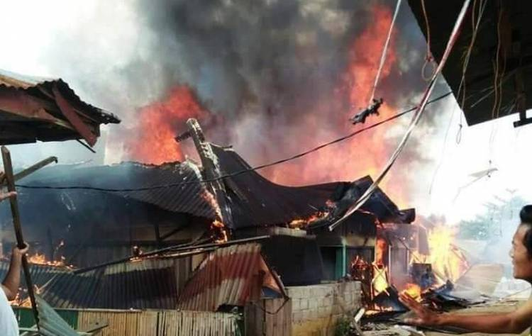 12 Kios di SPA Kuamangkuning Bungo Terbakar Hebat