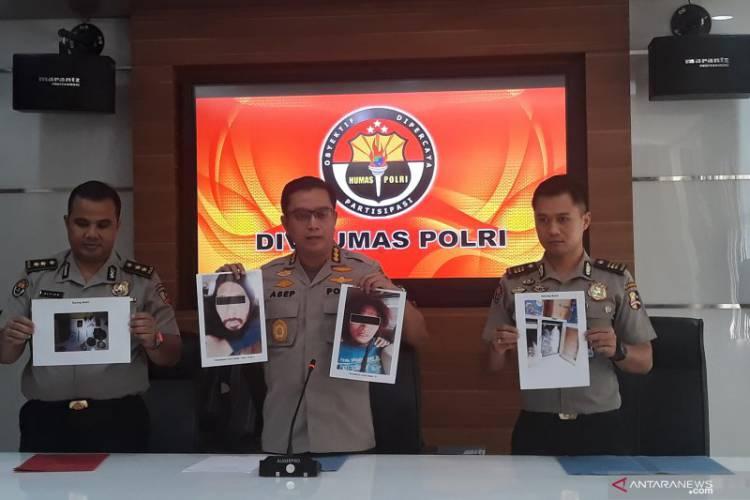 Densus 88 Tangkap Empat Terduga Teroris Kelompok Abu Zahra di Jatibening