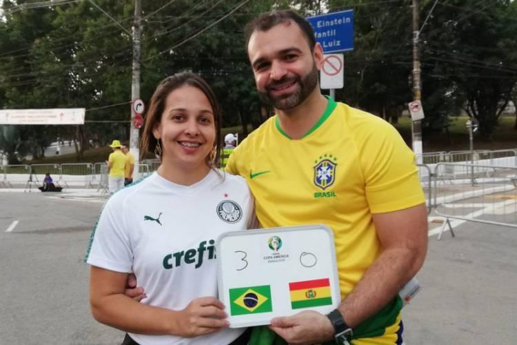 Suporter Kecewa dengan Permainan Brasil