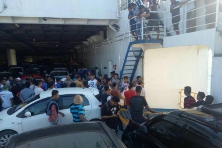 Mobil Avanza dari Padang Tercebur ke Laut Sunda dari Kapal Feri