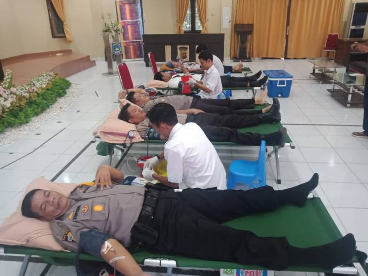 HUT Bhayangkara Ke-73 Polres Gelar Donor Darah, Mardiono: Agar Polri Semakin Dicintai