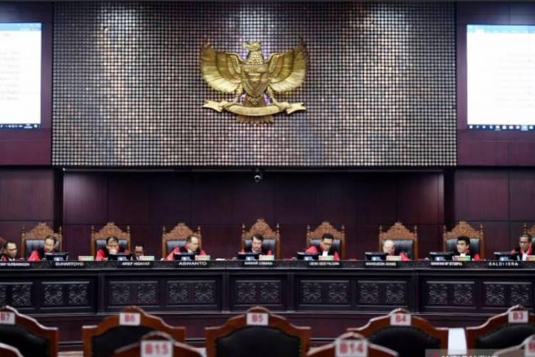 Gerindra: Kalau Mau Berdoa di Masjid Masing-masing, Agar Hakim MK Diberi Petunjuk...