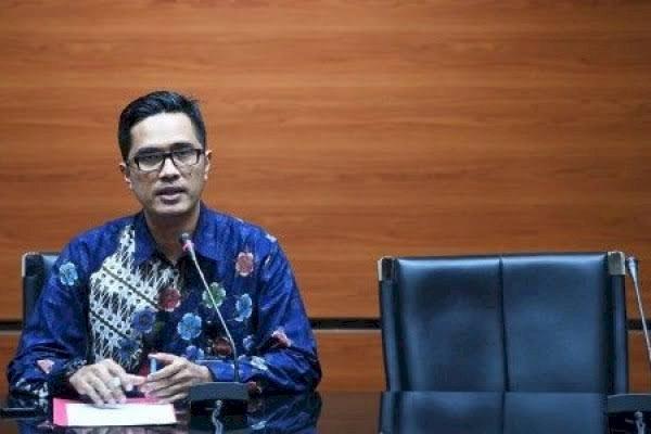 Asiang Tersangka Kasus Suap RAPBD Jambi Dipanggil KPK