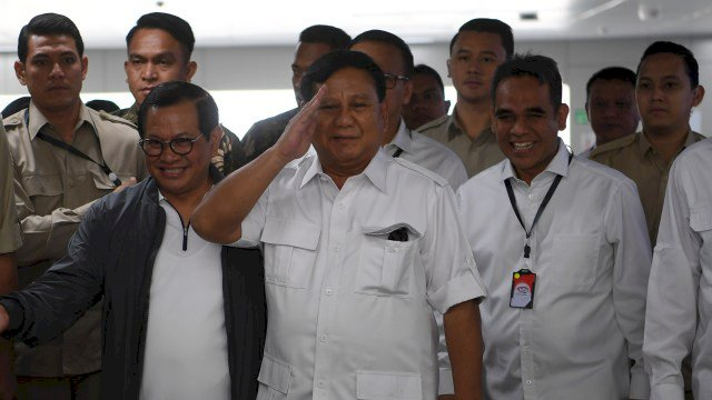 Prabowo Kumpulkan Pembina Partai