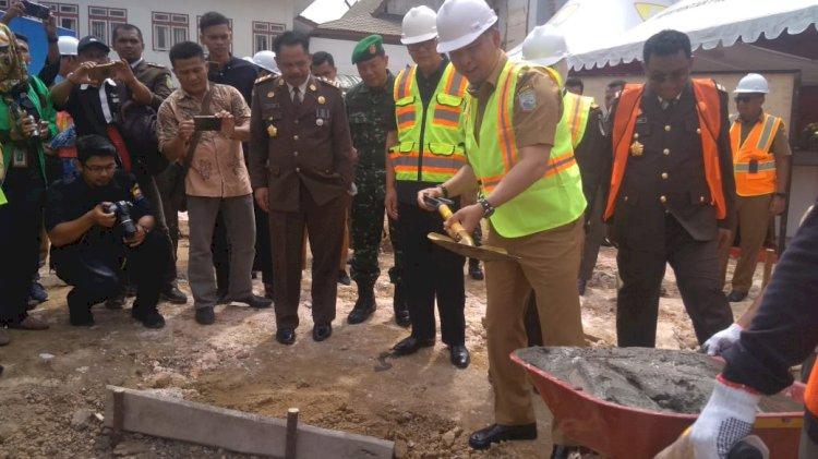 Dihadapan Fachrori, Fasha Lakukan Peletakan Batu Pertama Gedung Kejati Jambi