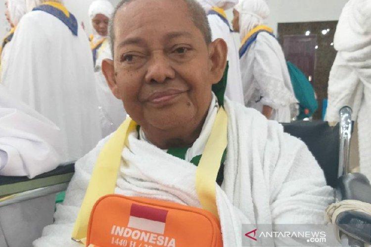 Kisah Mantan Dosen USU Sisihkan Uang Pensiun untuk ke Mekkah