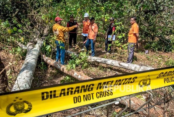 Pegawai PLN Tolak Dipotong Gajinya Gara-gara Listrik Padam