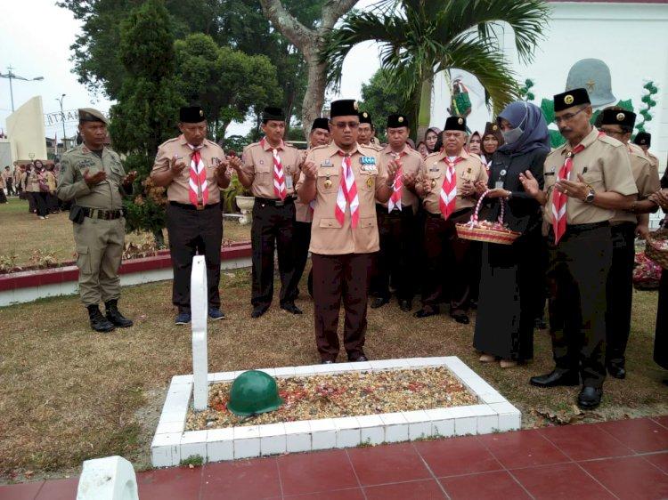 HUT ke-58 Pramuka, Wakil Walikota Jambi Pimpin Ziarah Makam Pahlawan