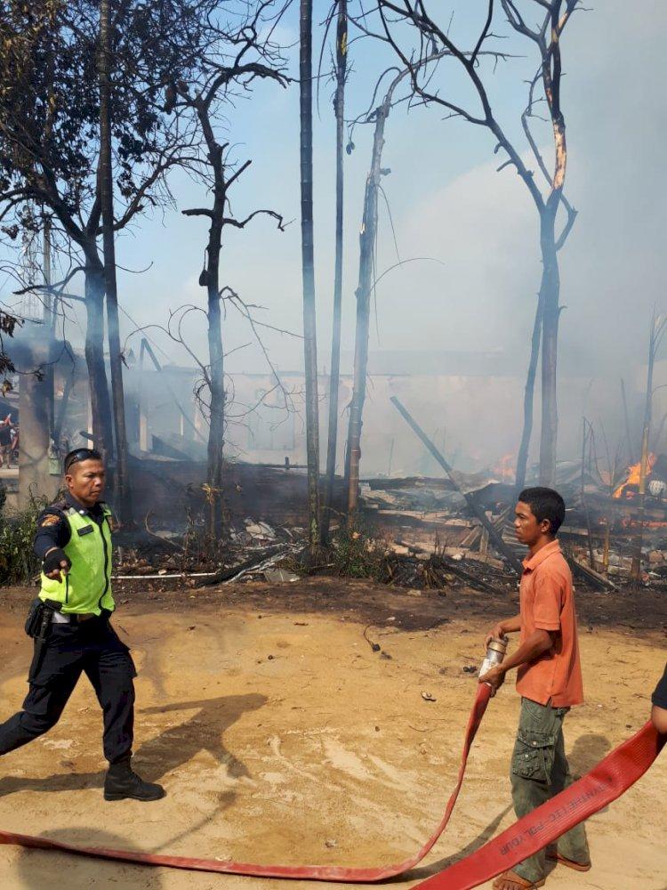 BREAKING NEWS!! Kebakaran Ludeskan 9 Rumah di Tebing Tinggi