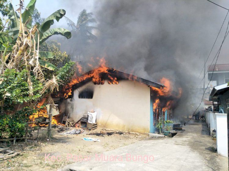 Api Membara, Bedeng Tiga Pintu di Bungo Ludes Terbakar