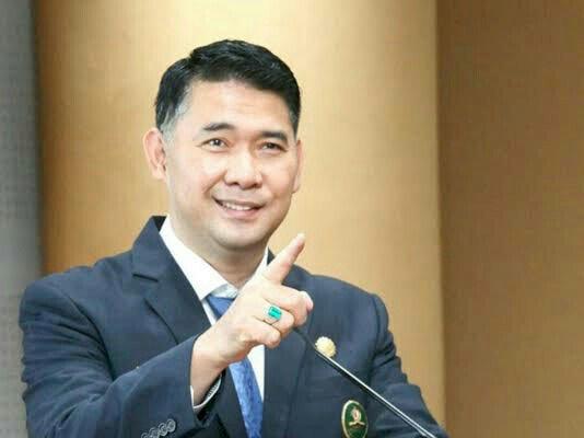 Wali Kota Jambi Syarif Fasha, Dianugerahi Bintang Jasa Pratama dari Presiden RI Joko Widodo