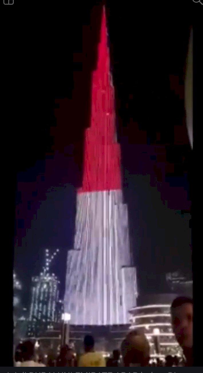Saat Merah Putih 'Selimuti' Burj Khalifa di Dubai