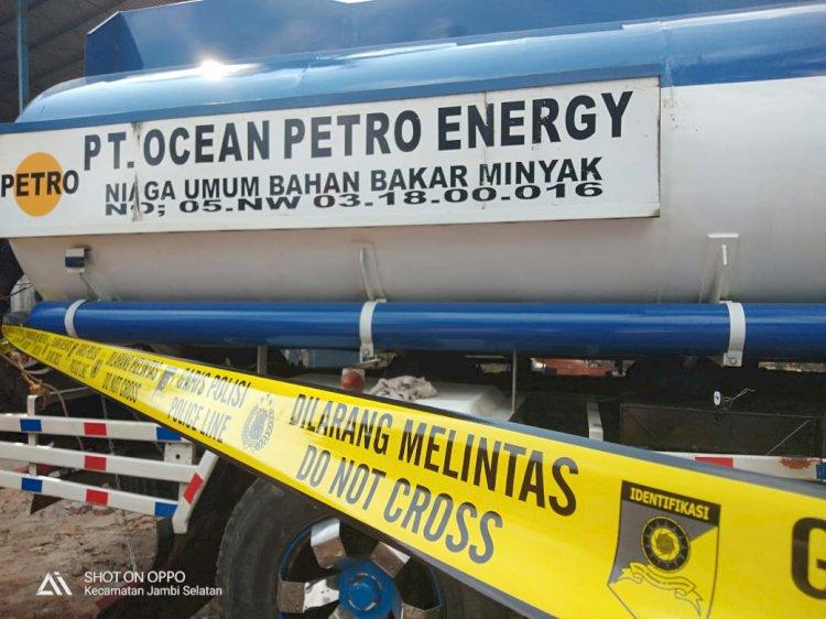 Polisi Segel Tempat Diduga Penampungan Minyak Illegal PT Ocean