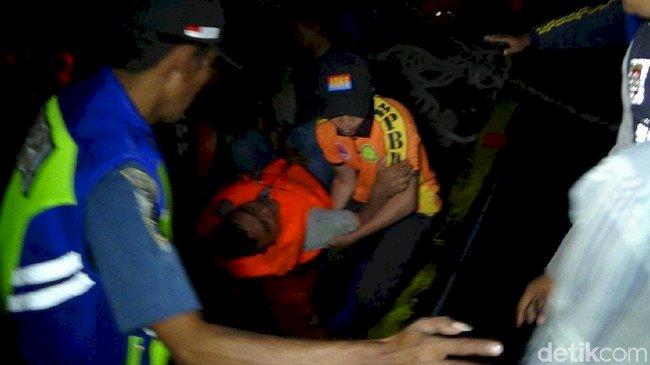Cerita Penumpang Selamat Saat KM Santika Nusantara Terbakar
