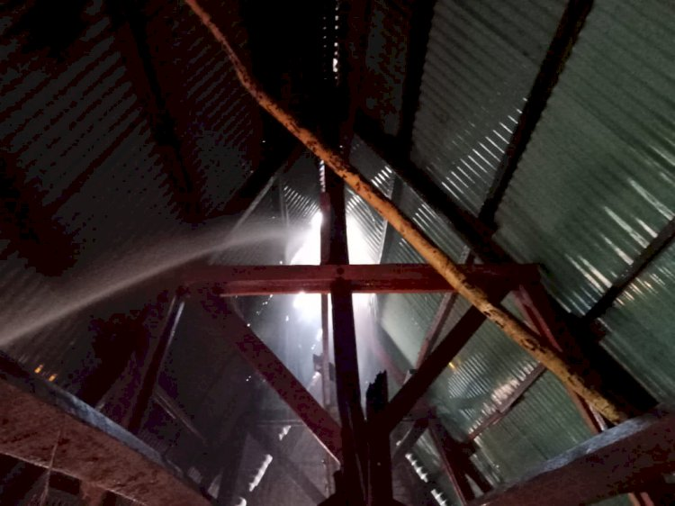 Dua Ruangan di SMPN 28 Mestong Terbakar