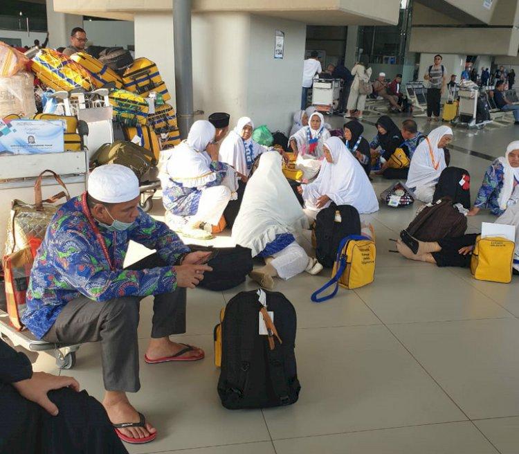 23 Jemaah Haji Plus Tiba di Bungo, Satu Jemaah Reguler Dipulangkan Lebih Awal