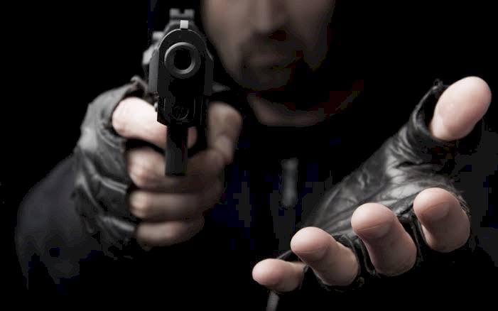Diancam Mau Ditembak, Ibu dan Anak di Selincah Dirampok
