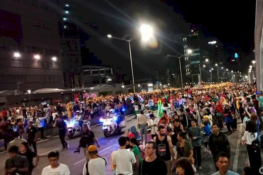 4.000 Peserta Pawai Obor Elektrik Meriahkan Jakarta Muharram 1441