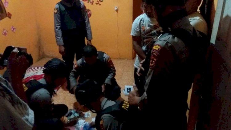 BREAKING NEWS! Asyik Berjudi, Enam Orang Diamankan Polisi