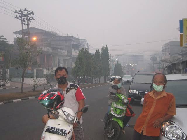 LAPOR PAK PRESIDEN! Akibat Kabut Asap ISPA Capai 11.251 Kasus, Jangan Ada Korban