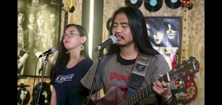 Mawang Si Penyayang Orangtua yang Viral Lagunya Absurd