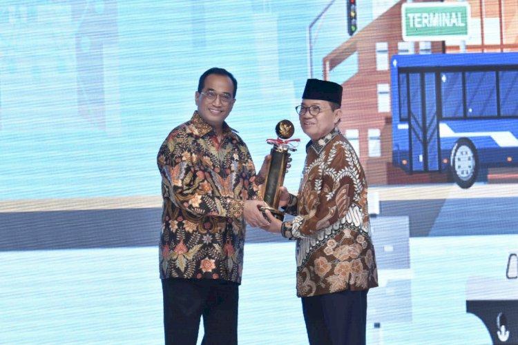 Fachrori Dianugerahi Penghargaan Wahana Tata Nugraha Wiratama 2019