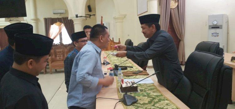 Kado Ulang Tahun Istimewa Tontawi, DPRD Sarolangun Gelar Paripurna Penetapan Pimpinan Definitif