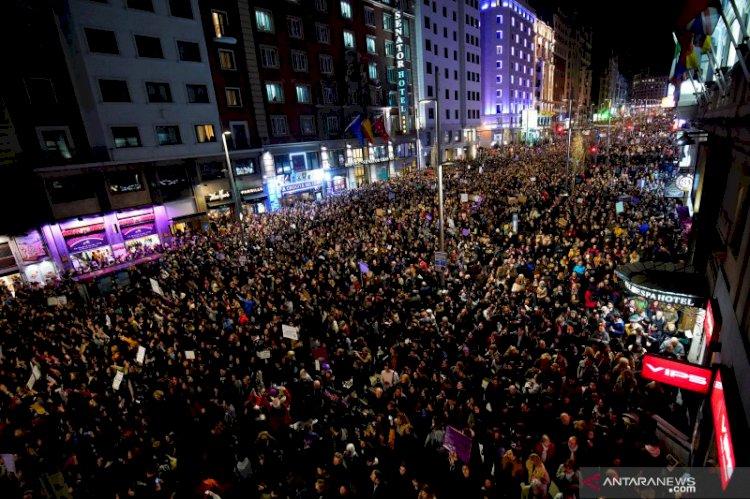 Ribuan Warga di Madrid Protes Kekerasan Terhadap Perempuan