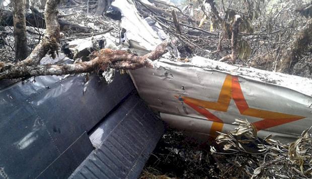 Tragedi Pesawat Twin Otter, Karung Berserakan Ditemukan di Tebing