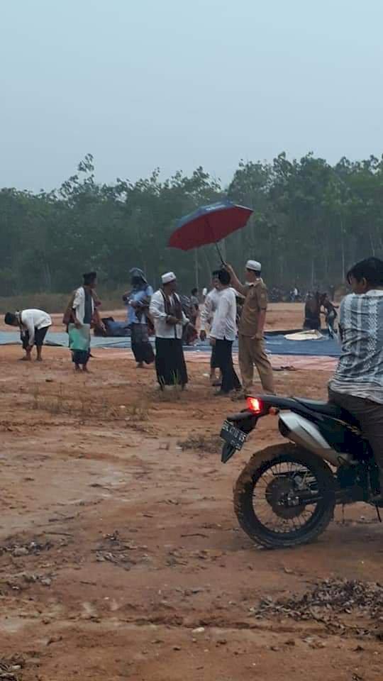 BREAKING NEWS! Usai Salat Istisqa di Mandiangin Hujan Turun Lebat Sore Ini di Sarolangun