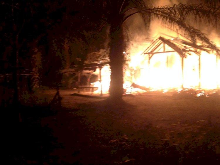 Rumah dan Warung Warga Mensango Merangin Ludes Terbakar