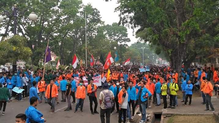 Ribuan Aliansi Mahasiswa Jambi Gelar Demonstrasi, Ini Delapan Tuntutannya!