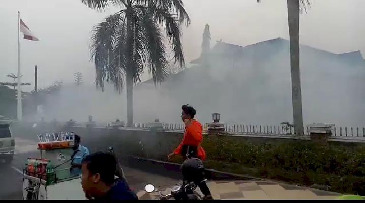 Rusuh Demo Mahasiswa Jambi, Polisi Tembakkan Gas Air Mata