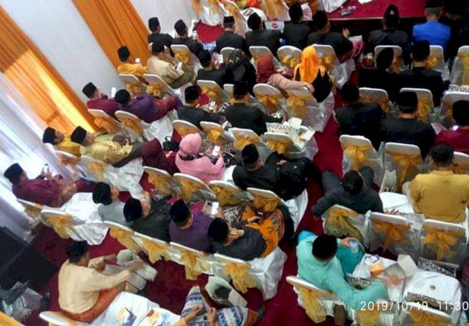 Belasan Tamu Undangan dan ASN Asyik Main Gadget, Saat Pidato Bupati di Paripurna HUT ke-54 Kabupaten Bungo