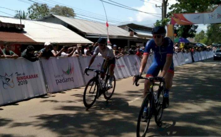 Pebalap Jesse Edwart Tercepat di etape I Tour de Singkarak 2019