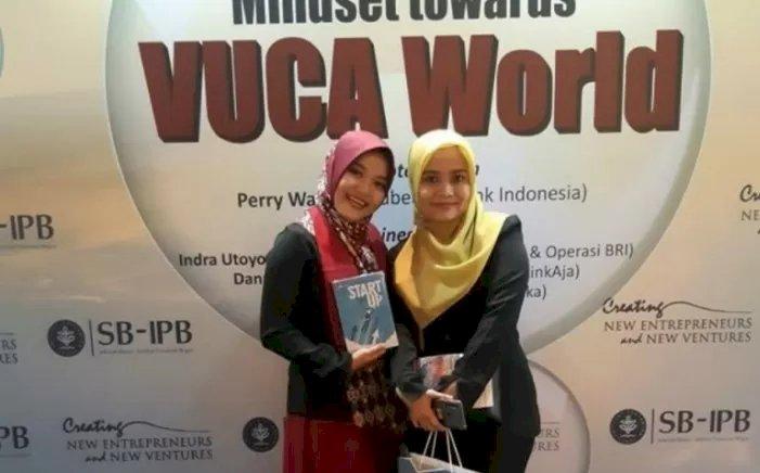 "Tulis Buku ""Start (to) Up, Wisudawan Terbaik SB-IPB Terinspirasi Bisnis Bagi Milenial"