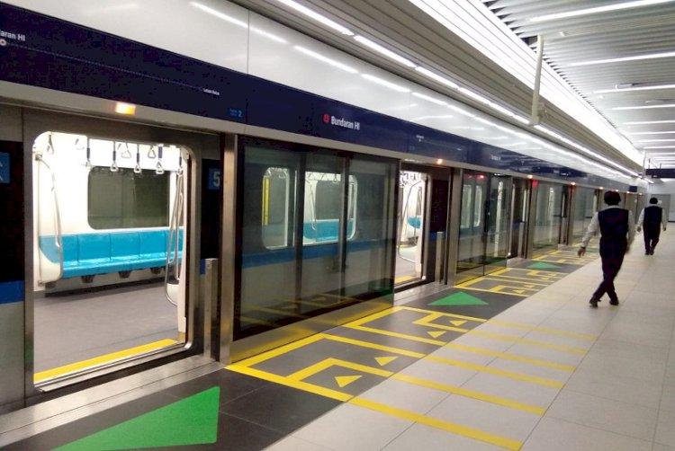 Siapa Pembeli Tiket Pertama LRT Dapat Kejutan!