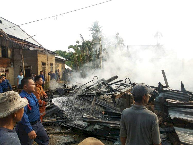 BREAKING NEWS!! Dua Unit Rumah Ludes Terbakar di Bungo